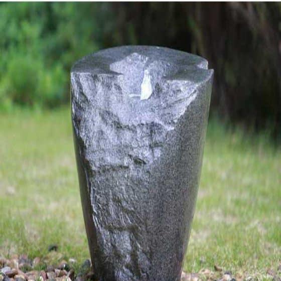 Naturlig sten i kompositmateriel. Lev fullt komplett.